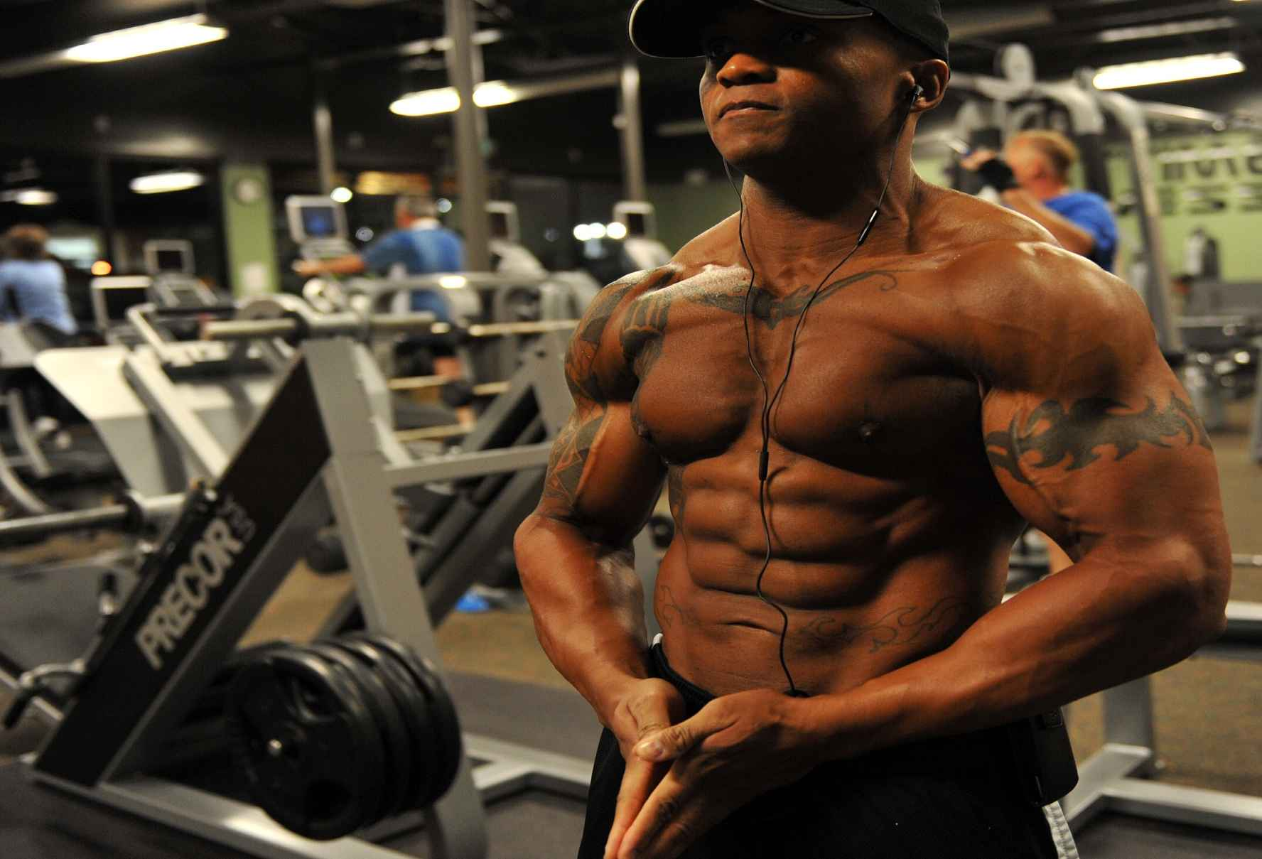 picture of a bodybuilder at the gym